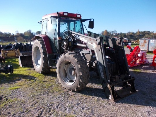 We move on with this week dedicated to the Case IH Tractors ... More on http://www.agriaffaires.co.uk/used/farm-tractor/1/4028/case-ih.html