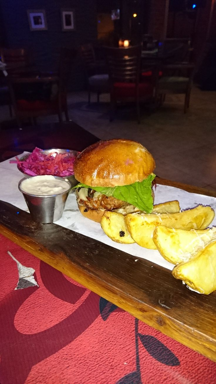 Burger night #3: Beef burger with parmesan potato wedges, mushroom sauce and pickled cabbage salad