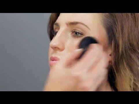 ▶ How to Use a Kabuki Brush : Makeup Tool Guides - YouTube