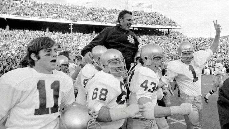 'He was our King Arthur': In letters, former Notre Dame players honor the late Ara Parseghian #FansnStars