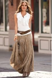 LOVE this look, but it doesn't love me. (When will designers make broomstick skirts for SHORT PEOPLE?)
