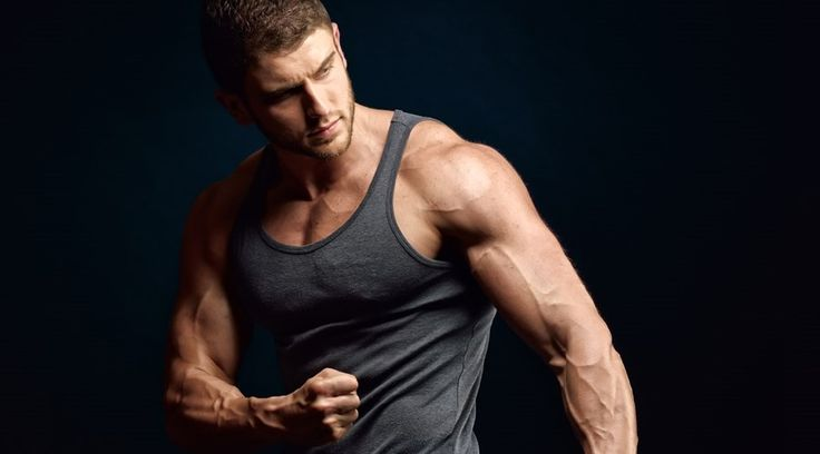 Ein athletischer Body entsteht nicht nur durch das Trainieren mit schweren Gewichten, sondern mit einer Kombination aus gesunder Ernährung, individuellen Trainingseinheiten und ausreichender Regeneration. 10 wichtige Tipps, die du für dein Training und die erforderliche Ernährung unbedingt befolgen solltest.