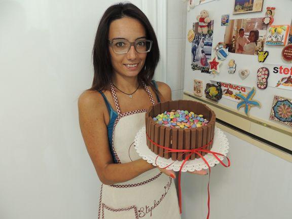 kitkat smarties cake