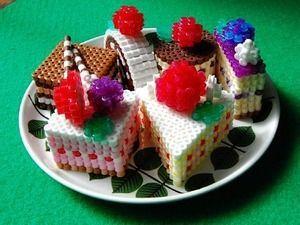 ケーキの盛り合わせ - perler bead 3D candy dessert boxes - Perler Bead gift ideas - Fuse bead designs - Perler Bead - Perler bead art - #perlerbead