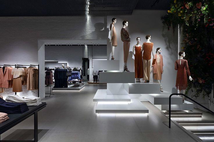 Womenswear | Zara |Women's Clothing | Iron facade | 47,361 ft2 flagship store |  Zara clothing UK | Manhattan's SoHo neighborhood