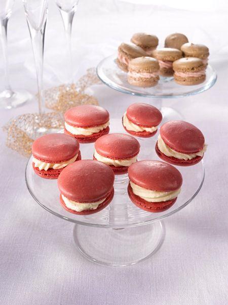 Macaron-leivokset  http://www.oetker.fi/fi/Reseptit/Pikkuleiv%c3%a4t+ja+makeiset/Makaron-leivokset/