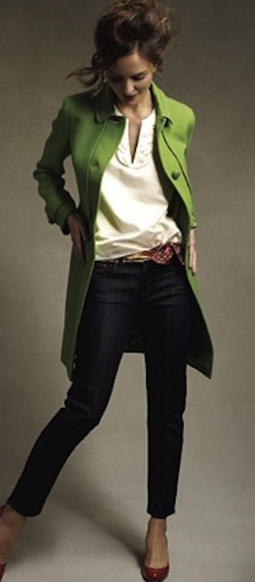 Chic: I am adoring this fitted, lime green, spring jacket! Perfect for throwing over a light blouse & jeans
