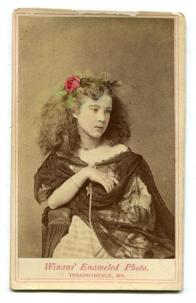 BEAUTIFUL YOUNG WOMAN. TINTED FLOWER IN HAIR. CDV. INDEPENDENCE, MO.  | eBay