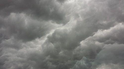 Weekend di Pasqua: tempo brutto con pioggia anche a carattere temporalesco alternata a brevi schiarite