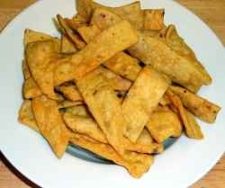 Besan Paare are crunchy and spicy. Besan Paare makes a great snack. It is a Indian recipe. It is also appetizer. It can be made easily. Besan...