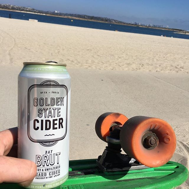 I don't drink much cider. But there isn't much better for a nice refreshing drink. Skating around the bay with a Bay Brut Hard Cider by @goldenstatecider it has a crisp almost champagne taste and is perfect for a hot day on the beach 🍻#wedrinkbeers .. .. #goldenstatecider #sandiego #sandiegobeer #california #missionbeach #missionbay #oj3 #craftbeer #craftcapital #hardcider #cider #champagne #pennyboard #globe #globeskateboards #beachlife #crownpoint #sandiegoskyline #sandiego…