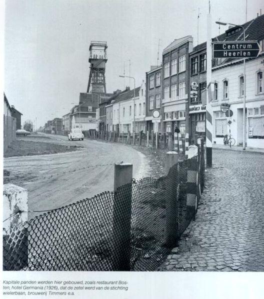 De nieuwstraat te Kerkrade met de grens en haar mijn de Domaniale.