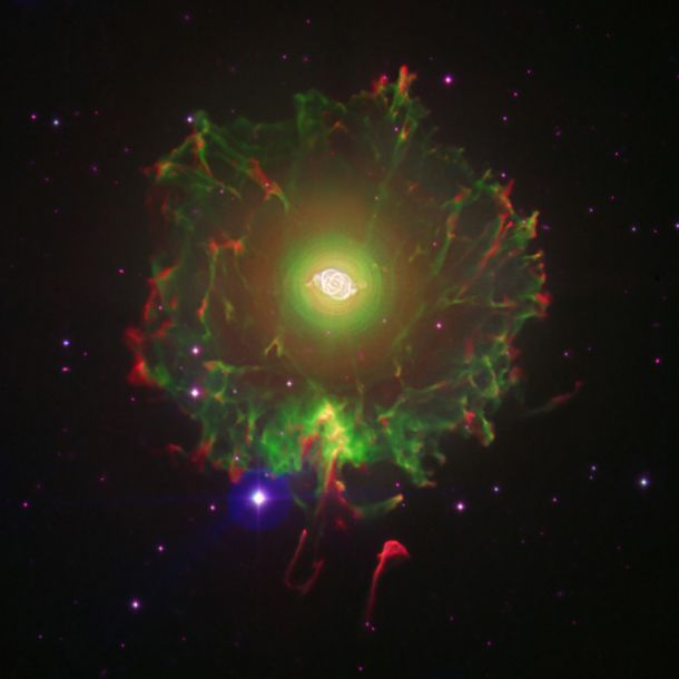 The knotty halo of the Cat's Eye | Bad Astronomy | Discover Magazine