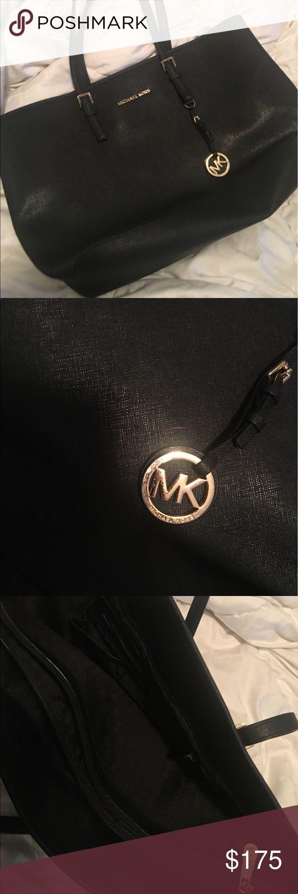 MICHAEL KORS JET SET LARGE USED MICHAEL KORS JET SET LARGE USED MICHAEL Michael Kors Bags Shoulder Bags