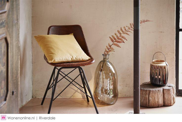 Riverdale Royal Nomads - herfst/winter collectie 2016    Van luxe items als een fluwelen sofa, goudgekleurde windlichten en handgemaakte kussens tot stoere eyecatchers als grote aardewerken kandelaren, kelim hockers en plaids met grove patronen. #riverdale #woonaccessoires #interieur #inrichten #ideeen #woontrends #woonkamer