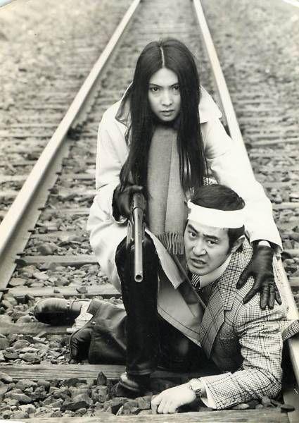 Meiko Kaji in Jeans Blues: No Future (ジーンズブルース 明日なき無頼派).