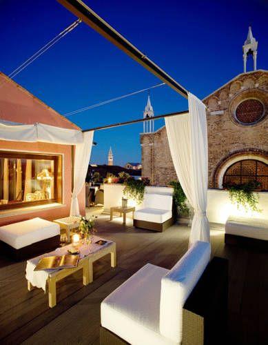 B&B Bloom Settimo Cielo - Doté d'un toit-terrasse offrant une vue sur…