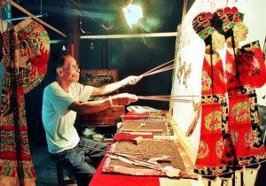 Китайский театр теней – искусство, получившее известность во всем мире и имеет полное право назваться великим.