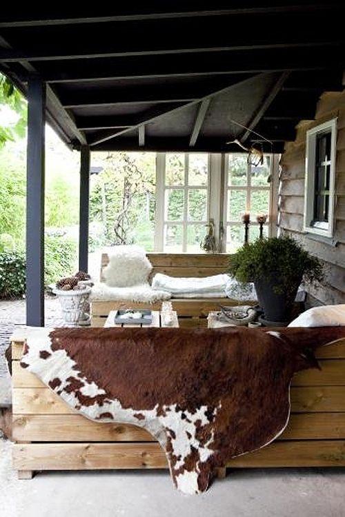 Prachtige veranda! Met natuurlijke materialen ingericht voor een heerlijk warme sfeer!