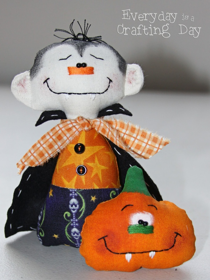82 best Halloween images on Pinterest Halloween crafts, Fabric - patterns for halloween decorations