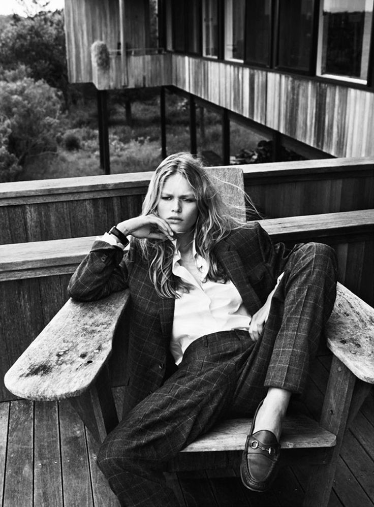 Anna Ewers by Josh Olins (styled by Geraldine Saglio) for French Vogue. Tags: barefoot style, blazer, blonde, elegance, footwear, girl, ivy league, jacket, loafers, no socks, pants, preppy, shirt, shoe, smart casual, sockless feet, suit, without socks, бе