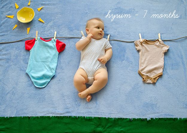 This Is The Coolest Way To Photograph Your Baby's First Year (via BuzzFeed)