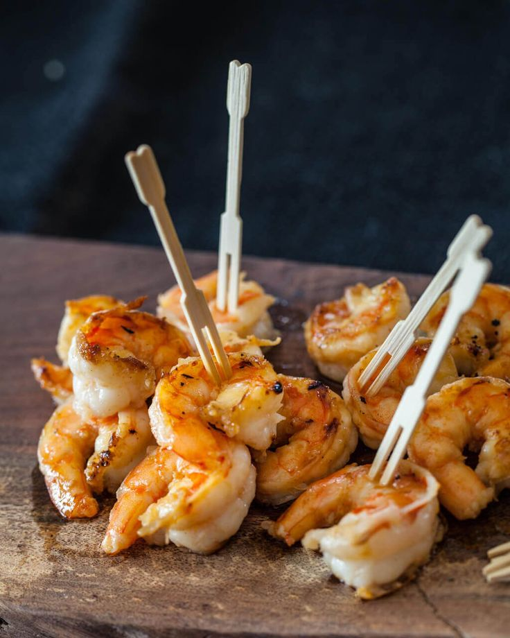 Simple, delicious shrimp with Japanese flavors: 15 minute recipe with 5 ingredients. Serve over rice, pasta or even as an appetizer.