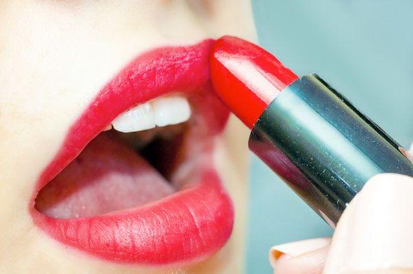 Geen rode lippenstift meer in kinderprogramma's BBC - De Standaard
