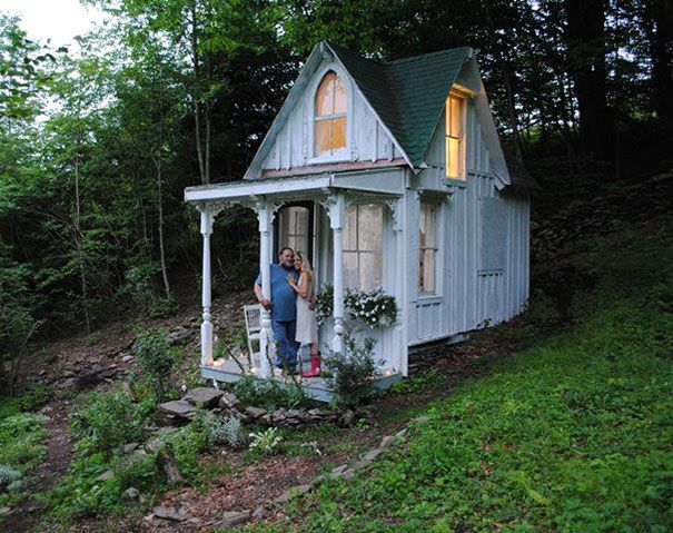 fairy-tale-houses-22 Tiny Victorian Cottage in the Catskills, New York