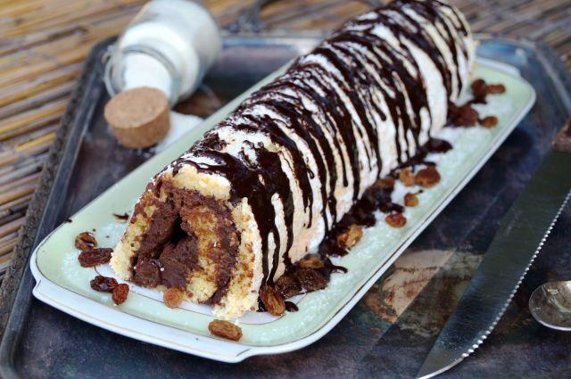 jack-sparrows-coconut-rhum-cake-roll