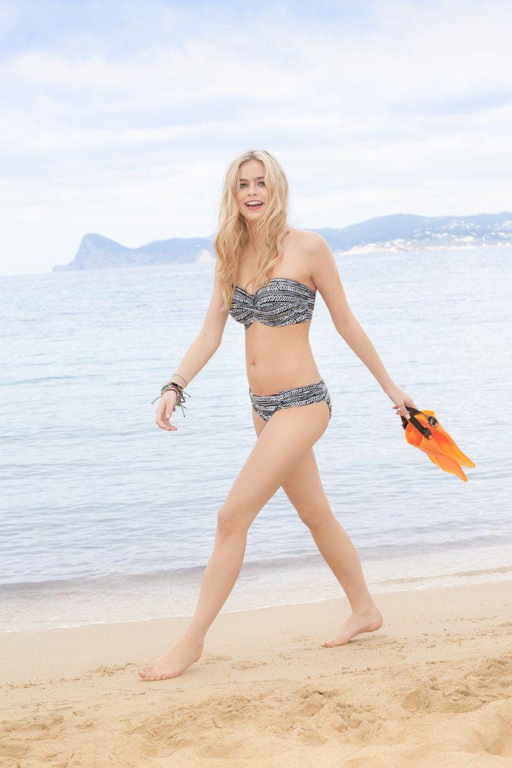 NEW Hattie bandeau bikini in Black/White, D-G cup…