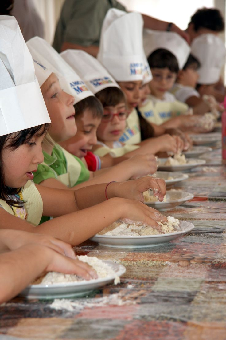 #EducationalTourism #Workshop Children while they making bread