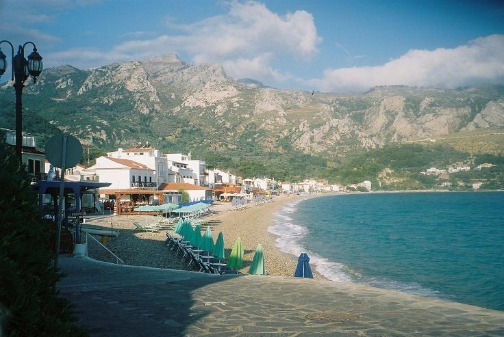 Early morning, just me, walking at the beach @ Kokkari, Samos (Gr)