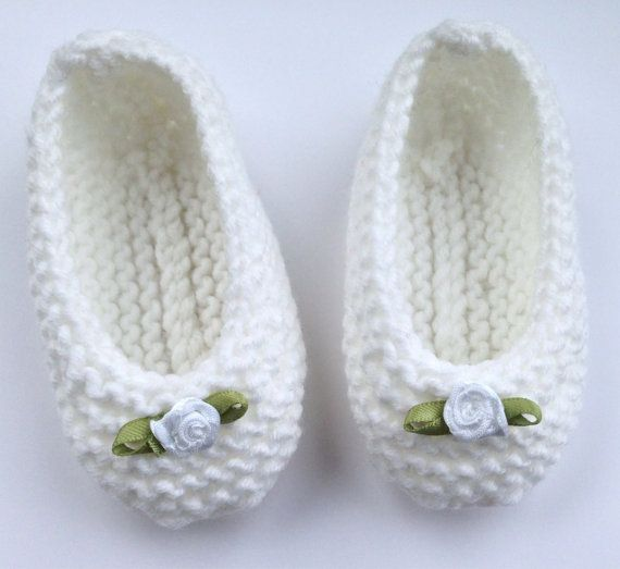 Hey, I found this really awesome Etsy listing at https://www.etsy.com/listing/208818228/handknitted-baby-ballet-pumps-baby-shoes