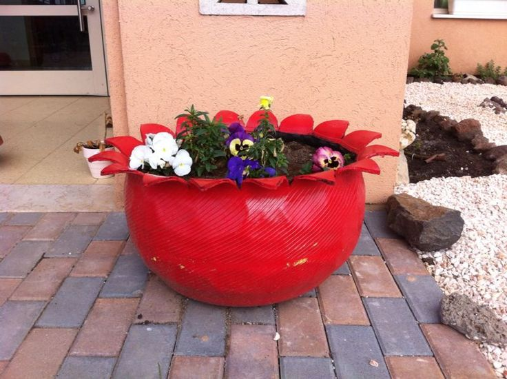 A beautiful plant pot from recycled tire
