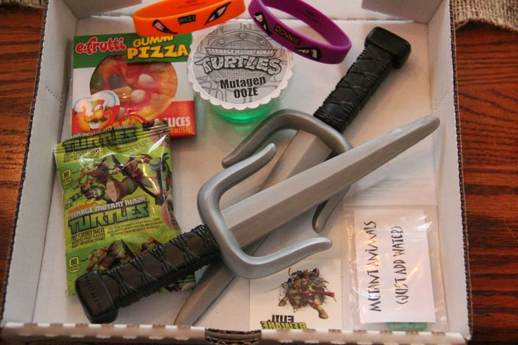 Ninja Turtle TMNT party favors - easy and inexpensive!