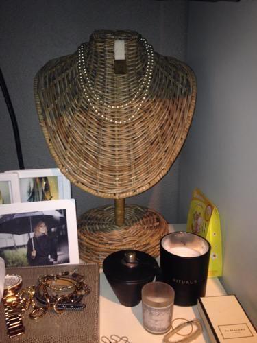 Portacollares   -  Holder necklaces