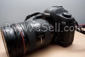 Canon 5D som bara ligger här på hyllan. Har ett gäng andra kameror jag använder istället.  Check out more #cameras for sale on http://www.ibuywesell.com/en_SE/category/Cameras/396/  #Canon #digitalcamera #camera