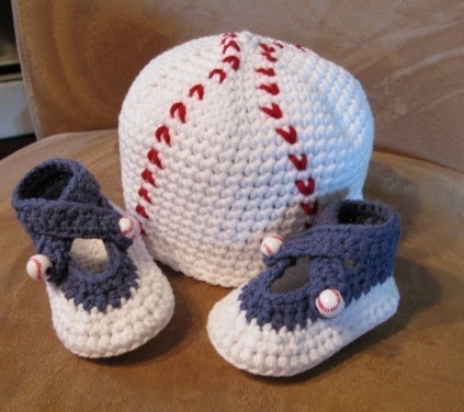 Baby Boy Baseball Beanie and Booties Sizes Newborn 9 by LandyKnits, $38.00