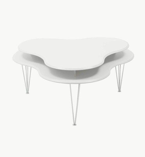 Cloud soffbord färg vit. Soffbordet är ett modernt och praktiskt soffbord. Med trådben i metall och 2-delad bordsskiva i vitlackerat trä är detta ett bord som passar i de flesta miljöer. Storlek: 110 x 110 cm, höjd: 50 cm. #azdesign #soffbord #inredning #vardagsrum #bord