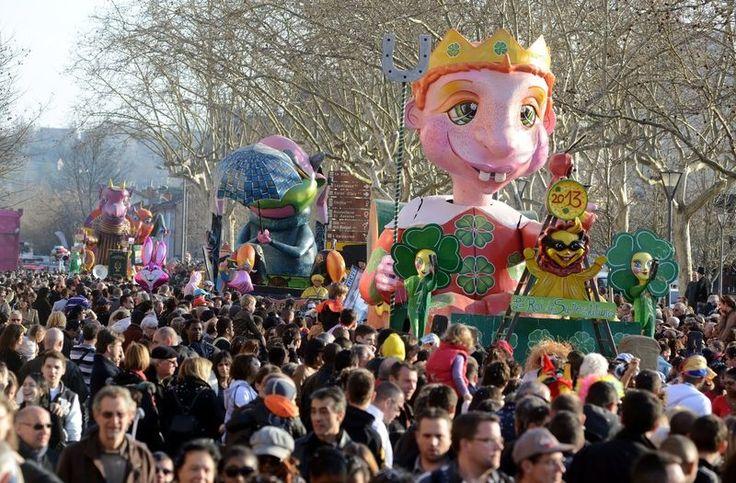 DÈfilÈ du Carnaval dans les rues d'Albi, le dimanche 3 mars 2013.