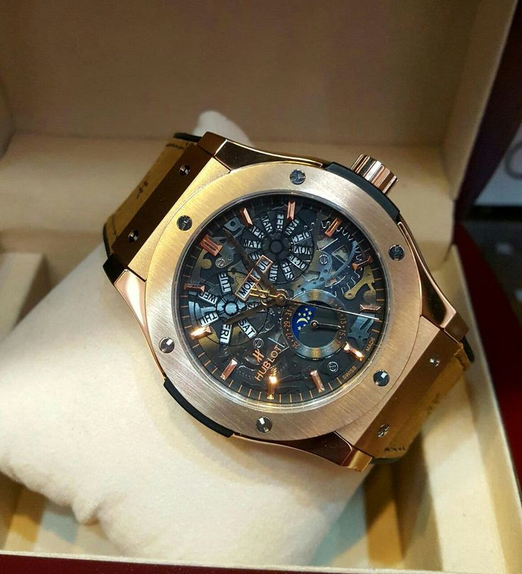 Hublot Chronograph Automatic Naked for Men Price In Pakistan     	Reference Wm-hub-84332  	Movement Quartz Movement (made in japan)  	Case Ultra Delicate Polished Case with Carbonfiber Golden Border Ceramic bezel  	Glass Sapphire Crystal Scratch proof glass  	Case Back Laser engraved