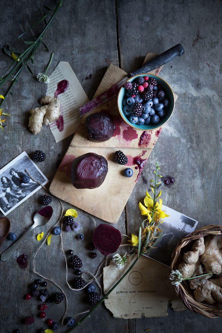 Smoothie barbabietola e frutti di bosco