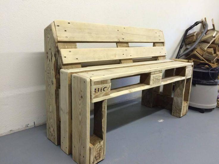 Sturdy Pallet Bench - 20 Best Pallet Ideas to DIY Your Own Pallet Furniture - DIY & Crafts