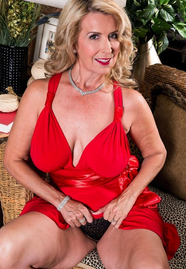 70 Best Sexy Older Women Over 60 And Delicious Images On -7987