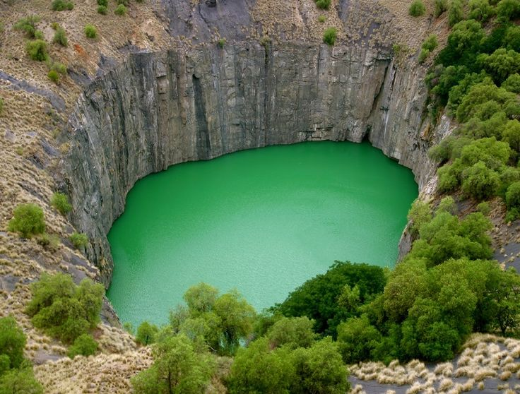 losed:  Eureka Hyman/ The Big Hole of Kimberly, South Africa (detail)