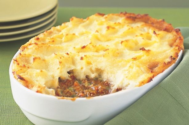 You can't go past a classic shepherd's pie for a satisfying dinner. #groundbeef #mince #pie