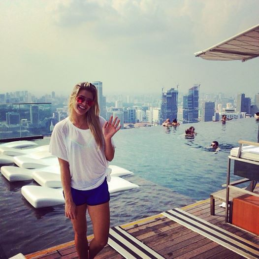 Eugenie Bouchard Sexy in Bikini, Enjoys Singapore Heat