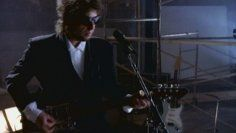 Watch Tangled Up In Blue by Bob Dylan online at vevo.com. Discover the latest music videos by Bob Dylan on Vevo.
