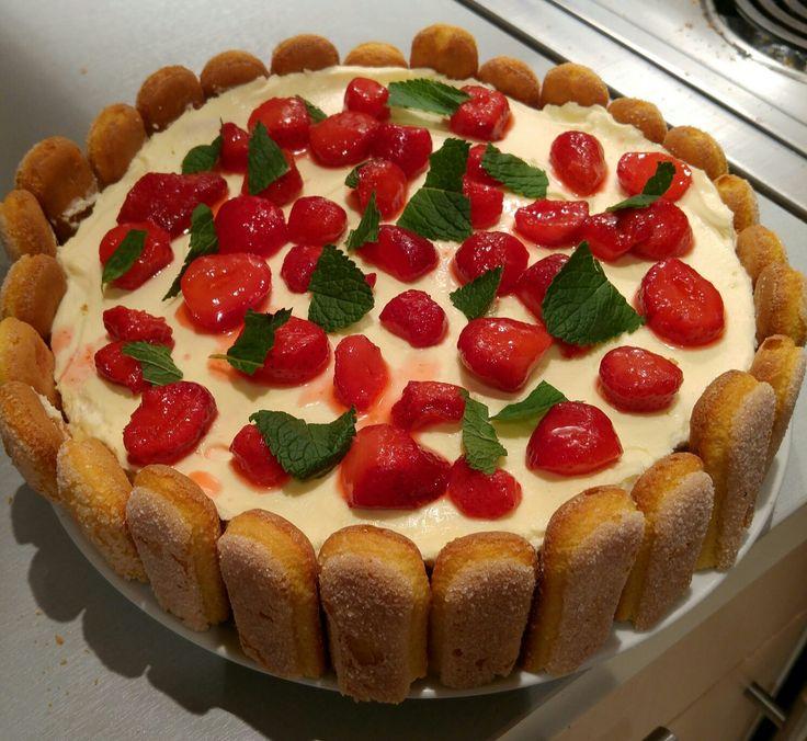 Tiramisus à la fraise façon charlotte aux fraises